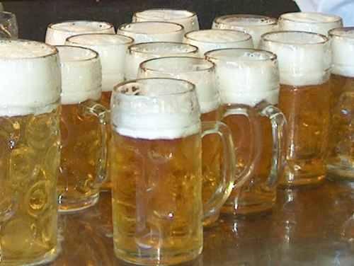 Cin cin, tra divieti e educazione alcolica