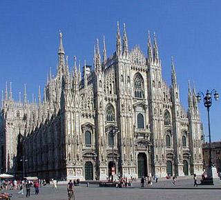 In piazza Duomo con la Fiom