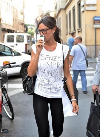 Qualche domanda sulla T-shirt della Minetti