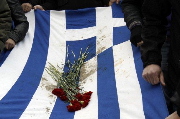Il caos travolge la Grecia