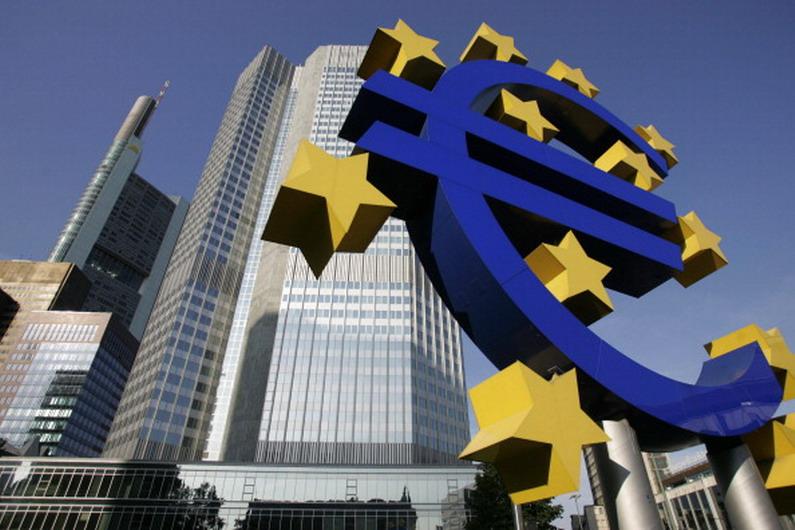 Draghi passa la palla alla politica