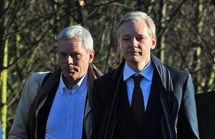 WikiLeaks: i Potenti ci rubano le informazioni