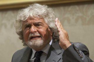 Grillo: il Movimento 5 Stelle è contrario all'uscita dall'euro
