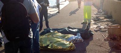 Una tragedia immensa a Lampedusa, servono traghetti civili