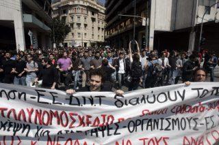 In Grecia paghe da 2 euro l'ora per i neo-assunti