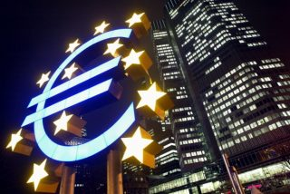 L'appello degli economisti contro la pericolosa tentazione dell'addio all'euro