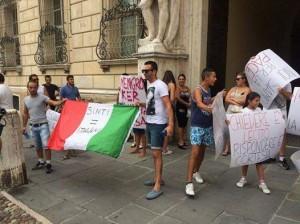 Forni crematori e saponi: il razzismo 2.0 verso i sinti di Mantova