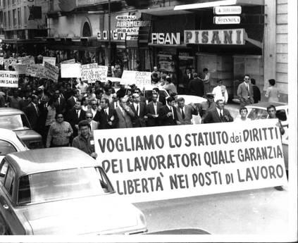 Renzi cerca lo scontro coi sindacati sullo Statuto dei Lavoratori: un riformismo affannoso e scentrato
