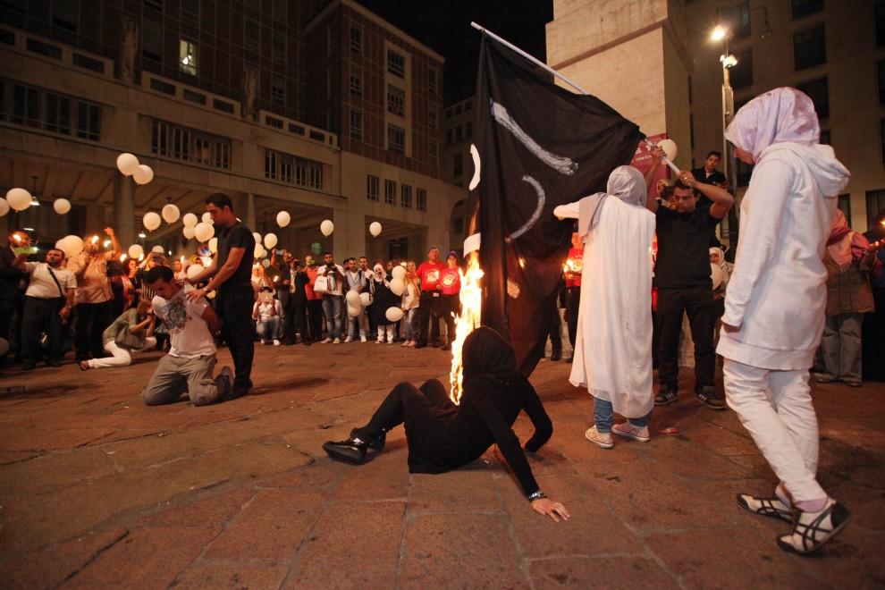 La coraggiosa sfida degli islamici milanesi ai tagliagole dell'Is