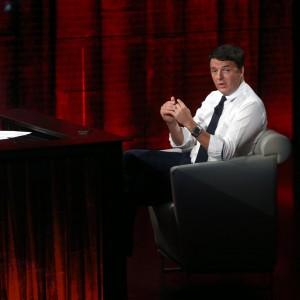 """La nuova promessa di Renzi: """"Con un miliardo e mezzo cancello co.co.co e co.co.pro"""""""