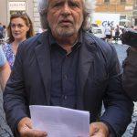 Grillo e la sua solita tendenza a stuzzicare la paura degli immigrati