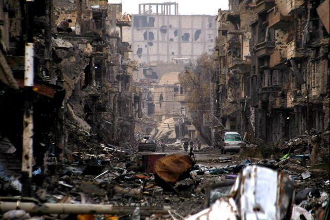 Bombe su Raqqa, la città che l'Is ha trasformato in un inferno