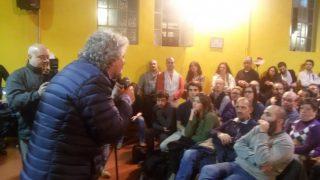 La parabola discendente di Grillo triste e solitario a Bologna