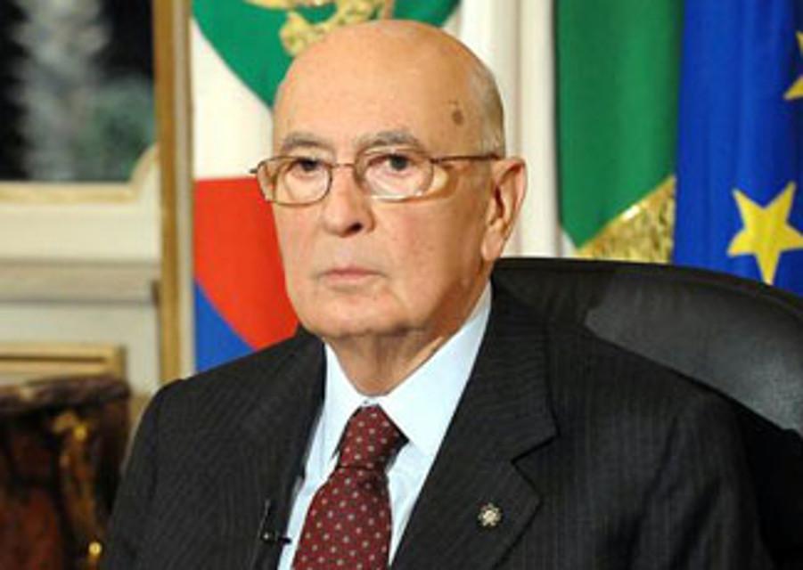 Napolitano angosciato dall'antipolitica potenzialmente violenta e eversiva. Ma cos'è l'antipolitica?