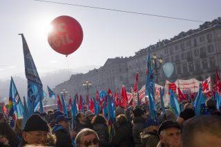 """Il """"Corriere della Sera"""" si schiera contro lo sciopero generale con Di Vico e Cazzullo"""