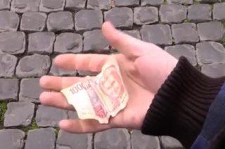 Il folle spot del M5S sull'addio all'euro con un clamoroso errore sul valore di mille lire