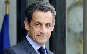 A volte ritornano. La Francia vira a destra con un Sarko sempre più simile a Le Pen
