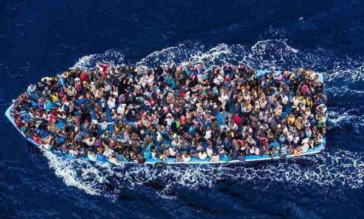 Soccorso, accoglienza, traghetti, voli charter… le parole che i governanti non dicono