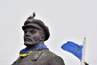 L'Ucraina equipara il comunismo al nazismo, il mondo ebraico protesta
