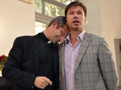 Mi spiace che la coraggiosa rivolta individuale di monsignor Charamsa sia liquidata come un danno a Francesco