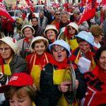 Dal 1° gennaio 2016 donne italiane in pensione 22 mesi più tardi