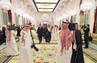 Il Fatto chiede dove son finiti i Rolex sauditi che hanno scatenato la rissa nella delegazione di Renzi
