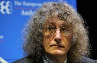 La meravigliosa multa da 150 mila euro di Casaleggio contro i consiglieri romani M5S che dissentiranno