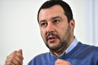 Salvini, gira al largo dal 25 aprile e tornatene dai tuoi camerati di Casapound