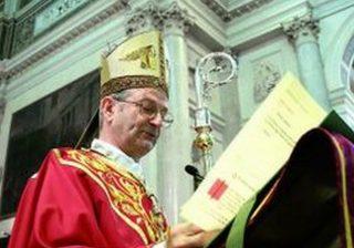 Il vescovo di Chioggia: condannare al risarcimento il tabaccaio che ha ucciso un ladro è come un altro furto