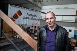 Yanis Varoufakis fonda un movimento anti Troika per riportare la democrazia in Europa