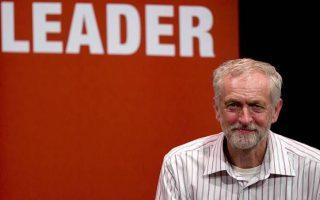 Il primo sondaggio che rileva il Labour di Corbyn alla pari con Cameron