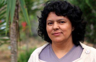 Berta Càceres, la donna che difendeva il suo fiume sacro, assassinata come Chico Mendes