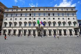 Renzi-Berlusconi-Grillo-Salvini uniti in politica estera: l'Italia se ne resti fuori