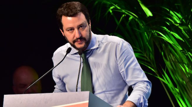 La manifestazione sotto casa Fornero minacciata da Salvini va chiamata col suo nome: intimidazione fascista