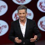 """Fiorello torna in TV dopo cinque anni scherzando su Renzi e Rai """"capellona"""""""