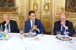 Di Maio a pranzo con la Trilateral 3 giorno dopo l'attacco del blog di Grillo alla Boschi per lo stesso motivo