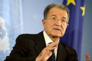 Romano Prodi: Bce ha finito le munizioni contro la crisi, ora serve un'altra politica