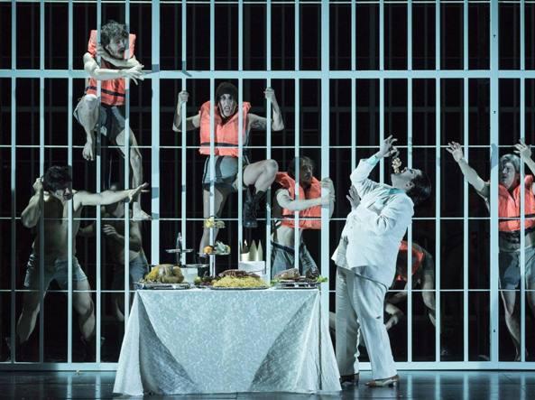 """Grazie a Michieletto, novant'anni dopo """"L'opera da tre soldi"""" di Brecht torna a scuotere le nostre coscienze addormentate"""