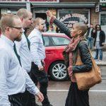 La bellissima foto della donna svedese che da sola sfida 300 nazisti