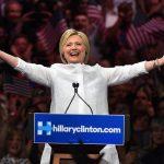 Hillary Clinton vince la nomination, la prima donna candidata alla presidenza degli Stati Uniti