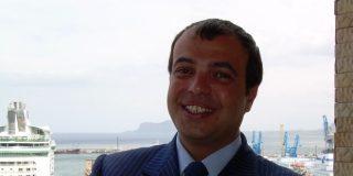 La strepitosa carriera del fratello di Alfano: docenza universitaria prima della laurea a 34 anni, e dirigente di Poste a 160 mila euro