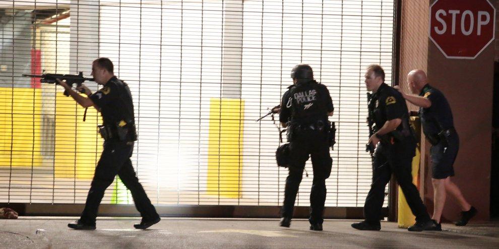 Dallas, l'incubo della guerra razziale. Tragico epilogo della presidenza Obama
