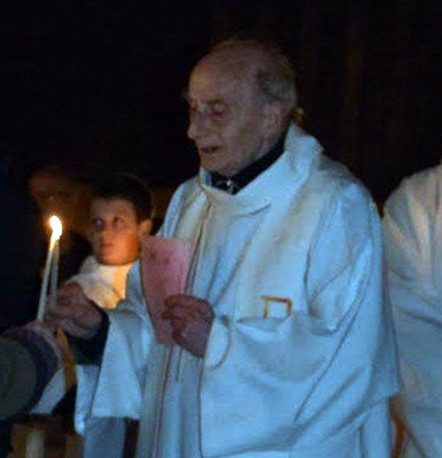 """L'infame omicidio di un sacerdote sull'altare trasforma l'Europa in Dar al-Harb (""""Dimora della Guerra"""")"""